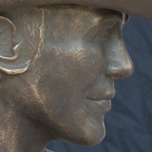 bronze-close-up-4